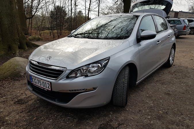 Billig billeje af Peugeot 308 1.6 Bluehdi 120 Hk 5d med GPS nær 2700 København.