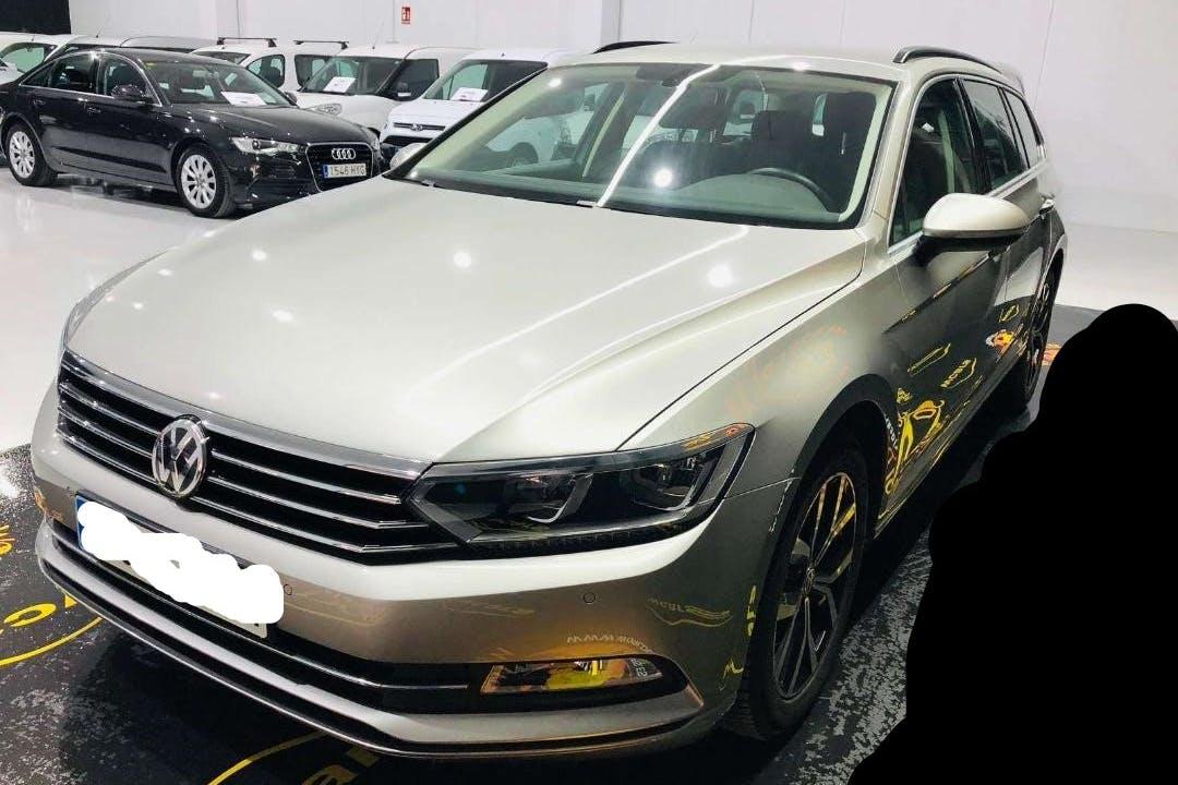 Alquiler barato de Volkswagen Passat V 2.0tdi 150 Bmt Sport con equipamiento Aire acondicionado cerca de 30107 Guadalupe de Maciascoque.