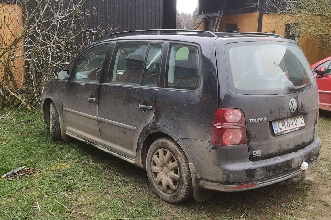 Billig billeje af Volkswagen Touran med Anhængertræk nær 3770 Allinge.