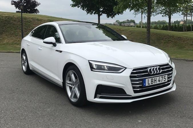 Billig biluthyrning av Audi A5 med Aircondition i närheten av 411 07 Inom Vallgraven.