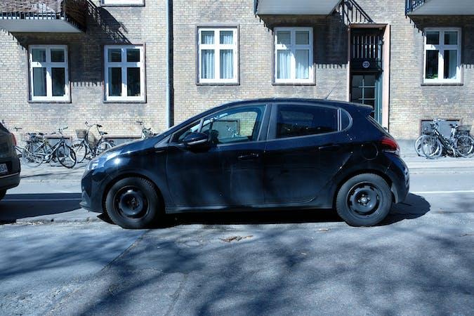 Billig billeje af Peugeot 208 nær  .