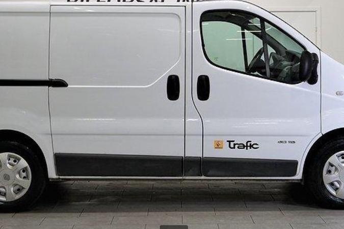 Billig biluthyrning av Renault Trafic i närheten av 174 55 Rissne.