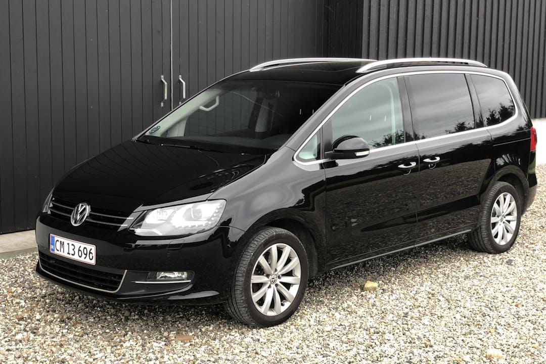 Billig billeje af Volkswagen Sharan med GPS nær 3250 Gilleleje.