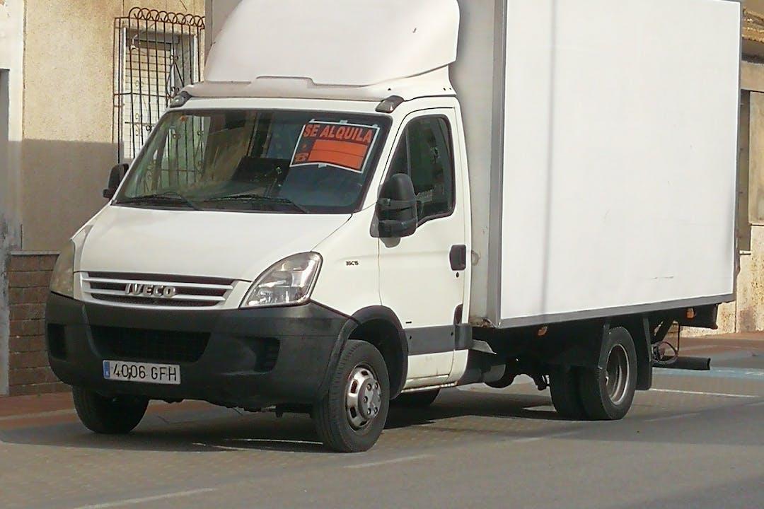 Alquiler barato de Fiat-Iveco 35.10 cerca de 03159 Daya Nueva.