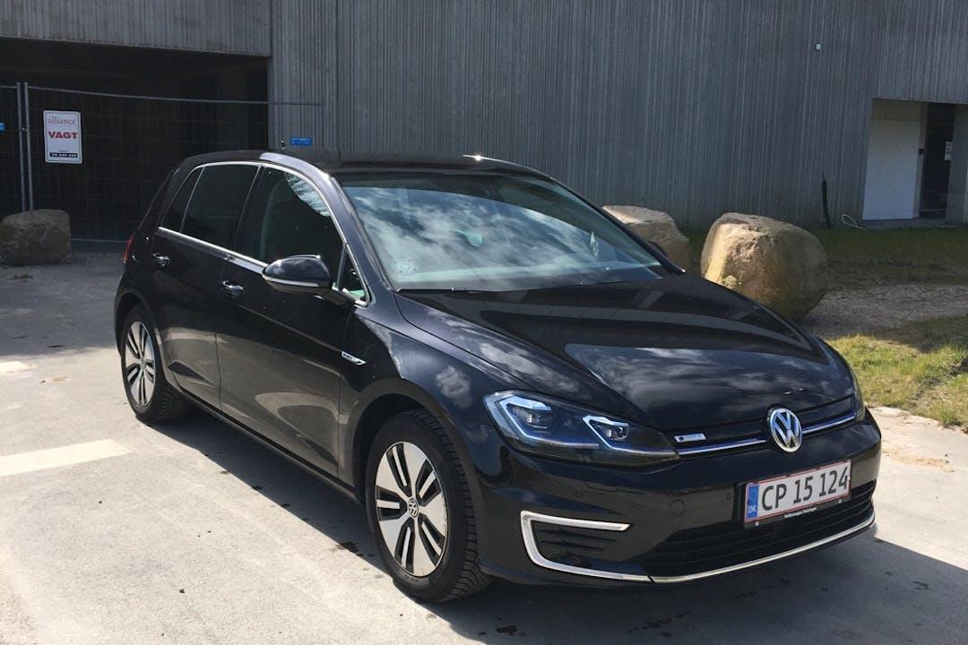 Billig billeje af Volkswagen Golf nær 3000 Helsingør.