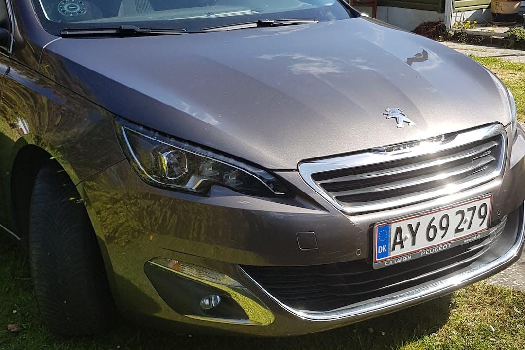 Billig billeje af Peugeot 308 nær 2300 København.