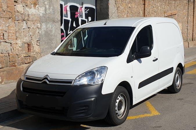 Alquiler barato de Citroen Berlingo cerca de 08014 Barcelona.