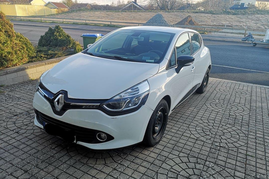 Billig biluthyrning av Renault Clio i närheten av 215 72 Fosie.