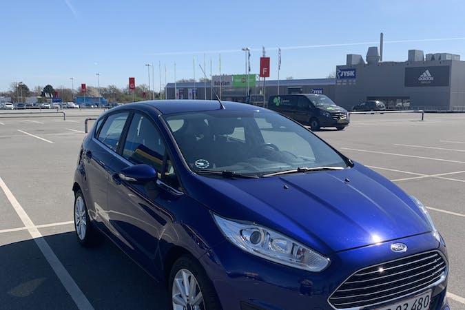 Billig billeje af Ford Fiesta EcoBoost (125 HK) med Isofix beslag nær  København.