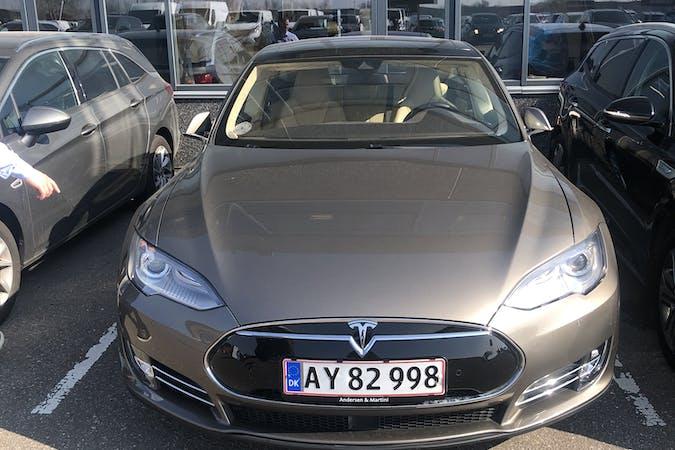 Billig billeje af Tesla Model S med GPS nær 2635 Ishøj.