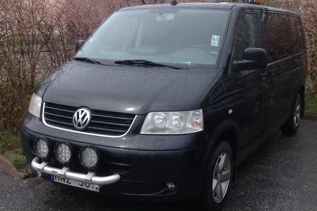 Billig biluthyrning av Volkswagen Caravelle i närheten av 136 67 .