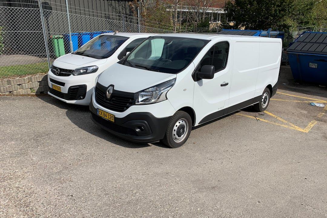 Billig billeje af Peugeot Expert  nær 3460 Birkerød.