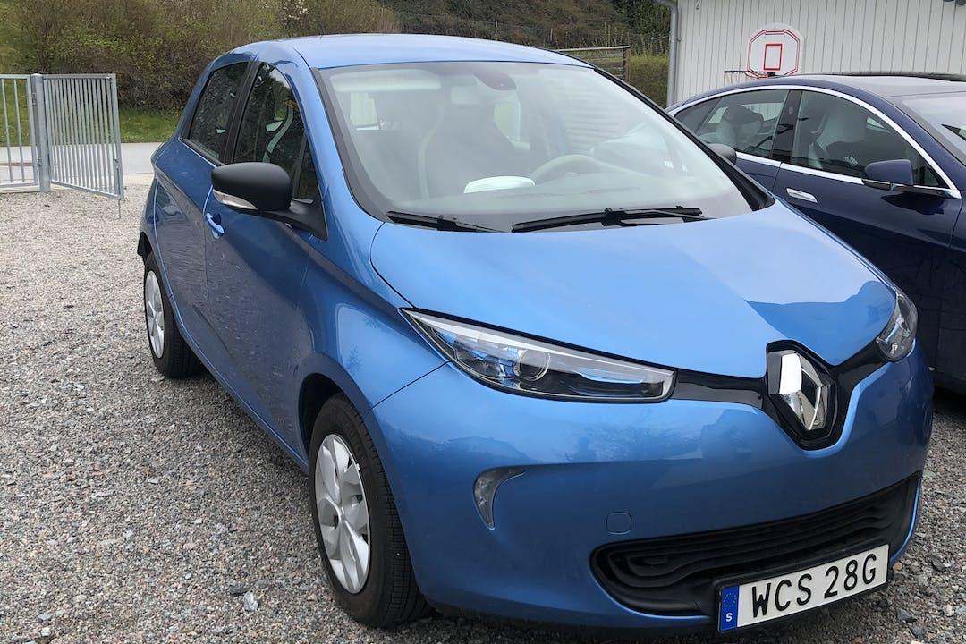 Billig biluthyrning av Renault Zoe i närheten av 181 66 Brevik.