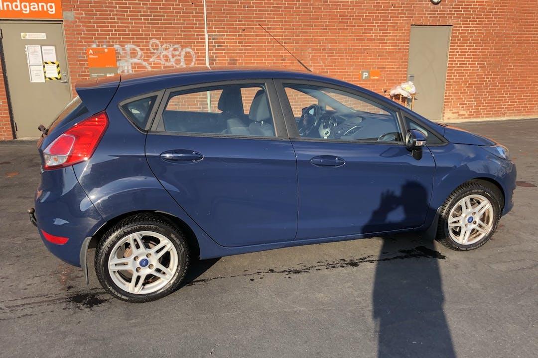 Billig billeje af Ford Fiesta nær 2870 Dyssegård.