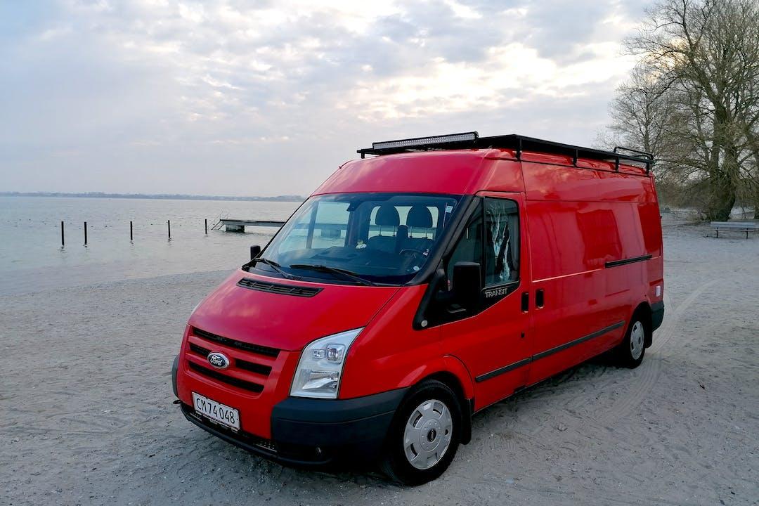 Billig billeje af Ford Transit nær 8000 Aarhus.