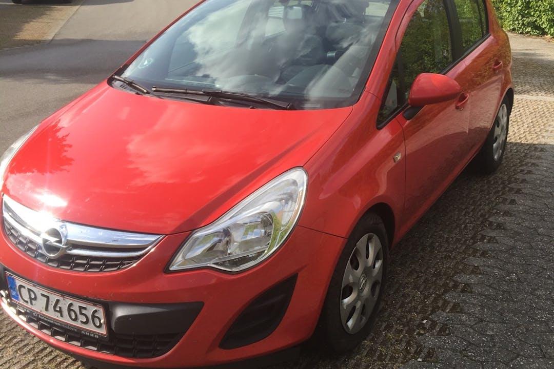 Billig billeje af Opel Corsa nær 5220 Odense.