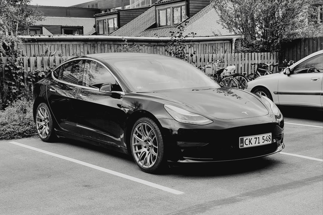 Billig billeje af Tesla Model 3 Long Range  med GPS nær 2860 Søborg.