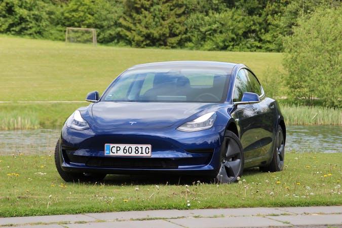 Billig billeje af Tesla Model 3 med GPS nær 8210 Aarhus.