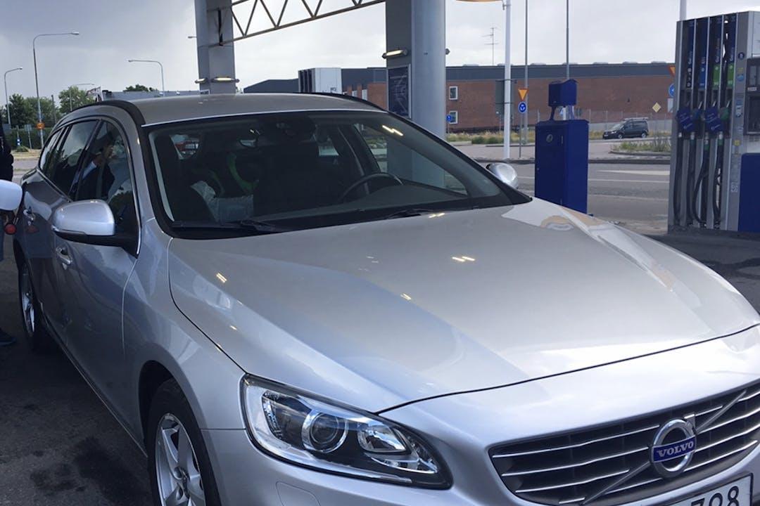 Billig biluthyrning av Volvo V60 i närheten av 124 64 Enskede-Årsta-Vantör.