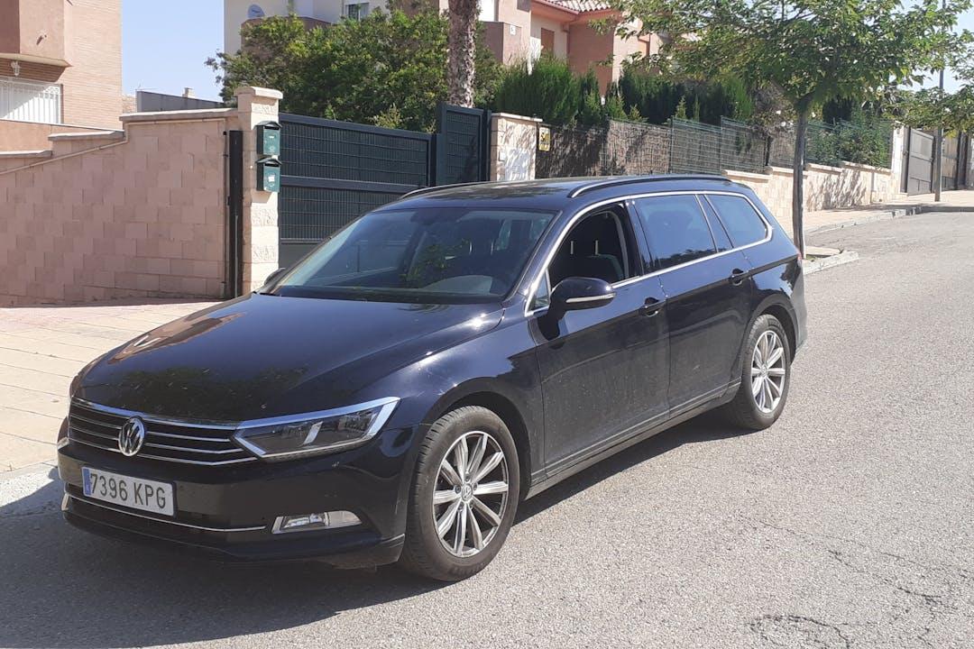 Alquiler barato de Volkswagen Passat cerca de 23006 Jaén.