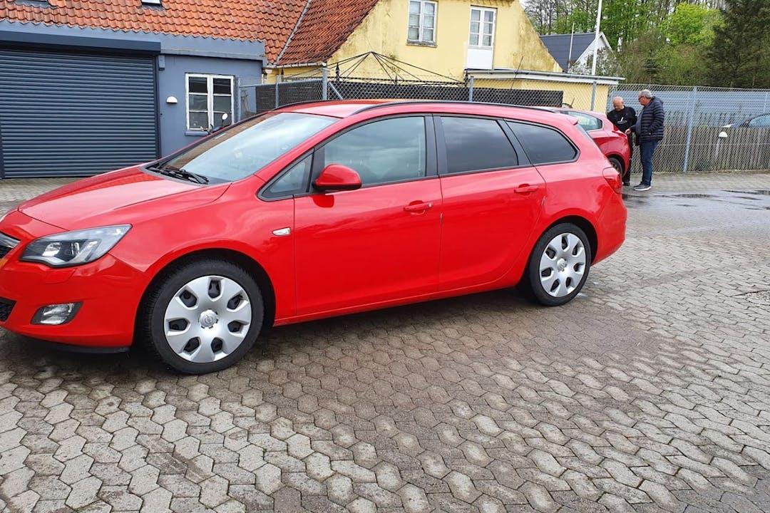 Billig billeje af Opel Astra med Anhængertræk nær 2620 Albertslund.