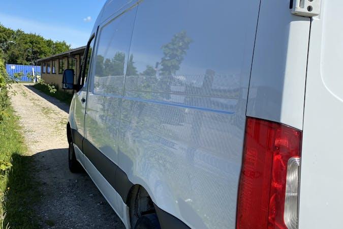 Billig billeje af Mercedes Sprinter nær 5220 Odense.