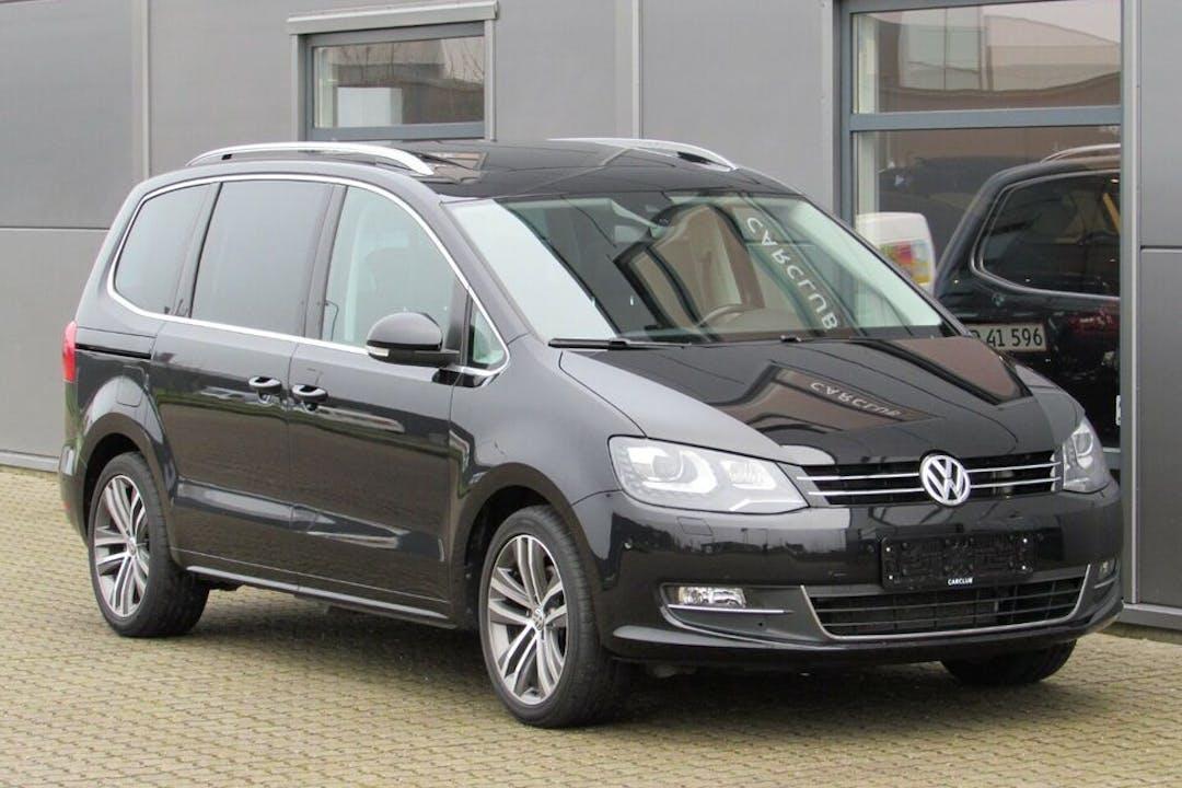 Billig billeje af Volkswagen Sharan med Anhængertræk nær 5260 Odense.