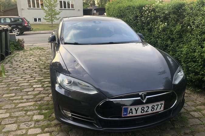 Billig billeje af Tesla Model S med GPS nær 2880 Bagsværd.