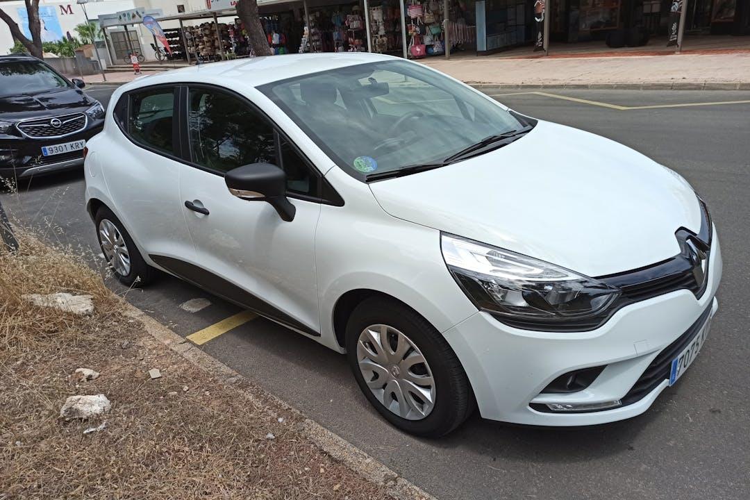 Alquiler barato de Renault Clio Limited 0.9tce Energy cerca de 07458 Can Picafort.