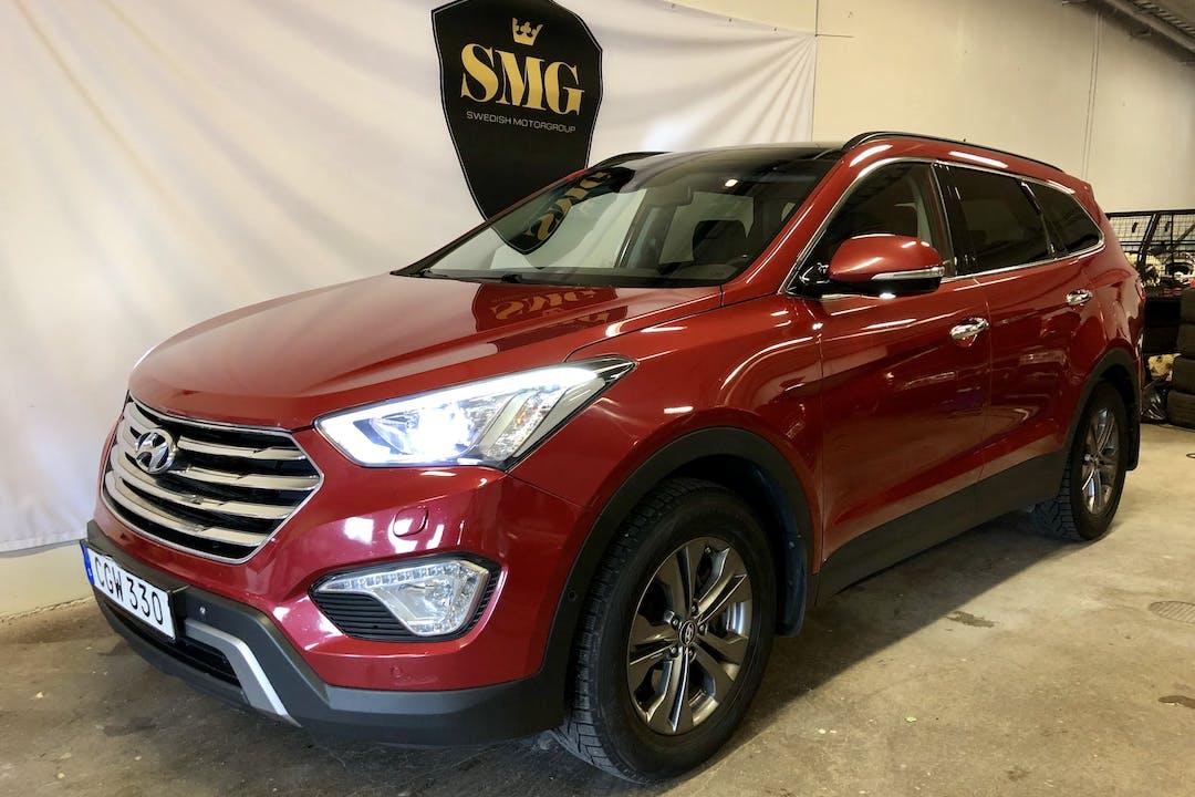 Billig biluthyrning av Hyundai Santa Fe i närheten av 184 92 .