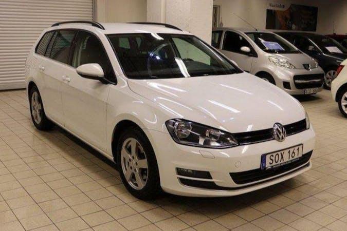 Billig biluthyrning av Volkswagen Golf med Aircondition i närheten av 732 49 Brattberget-Strömsnäs.