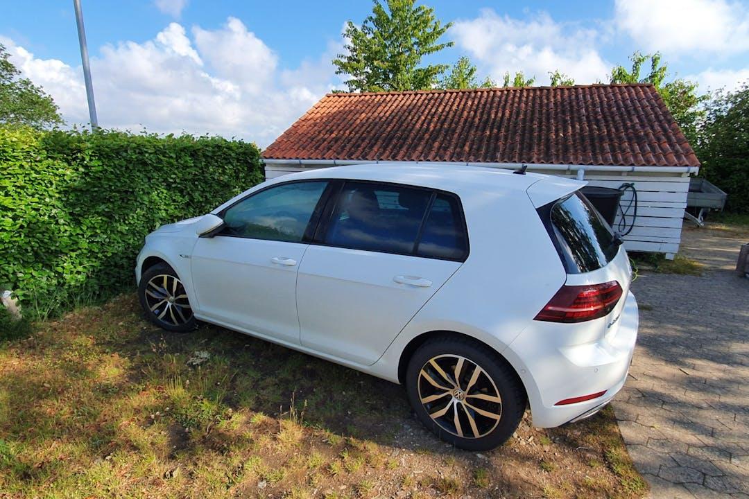 Billig billeje af Volkswagen E-Golf nær 4300 Holbæk.
