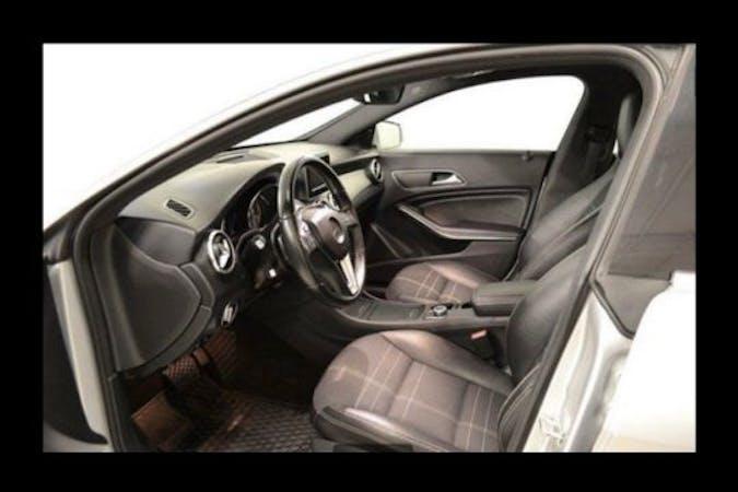 Billig biluthyrning av Mercedes CLA Coupe med GPS i närheten av 645 43 Finninge-Ulvhäll.