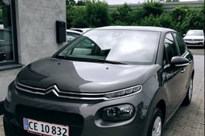 Billig billeje af Citroën C3 nær 2200 København.