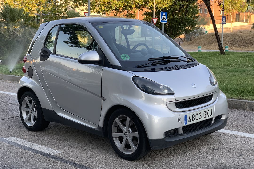 Alquiler barato de Smart Fortwo Coupe cerca de 28222 Majadahonda.