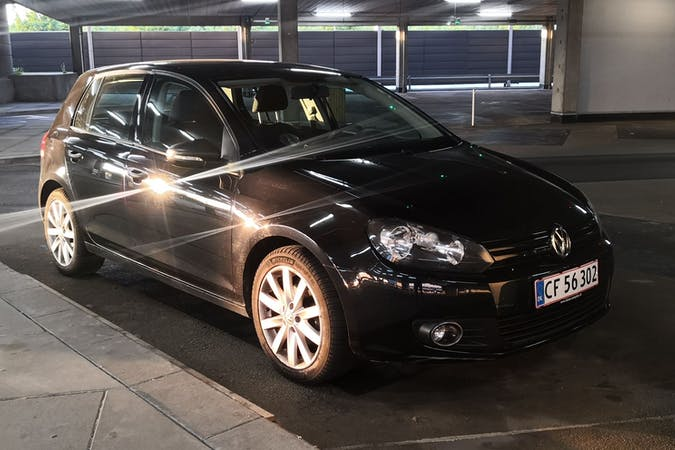Billig billeje af Volkswagen Golf nær 2300 København.
