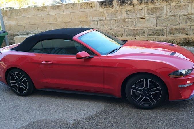 Alquiler barato de Ford Mustang cerca de 07006 Palma.