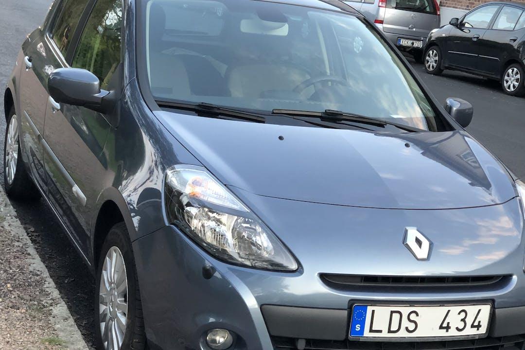 Billig biluthyrning av Renault Clio i närheten av 414 70 Kungsladugård.