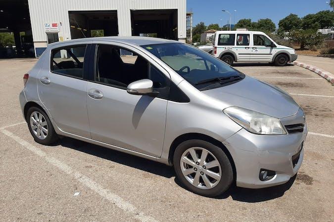 Alquiler barato de Toyota Yaris cerca de 07010 Palma.