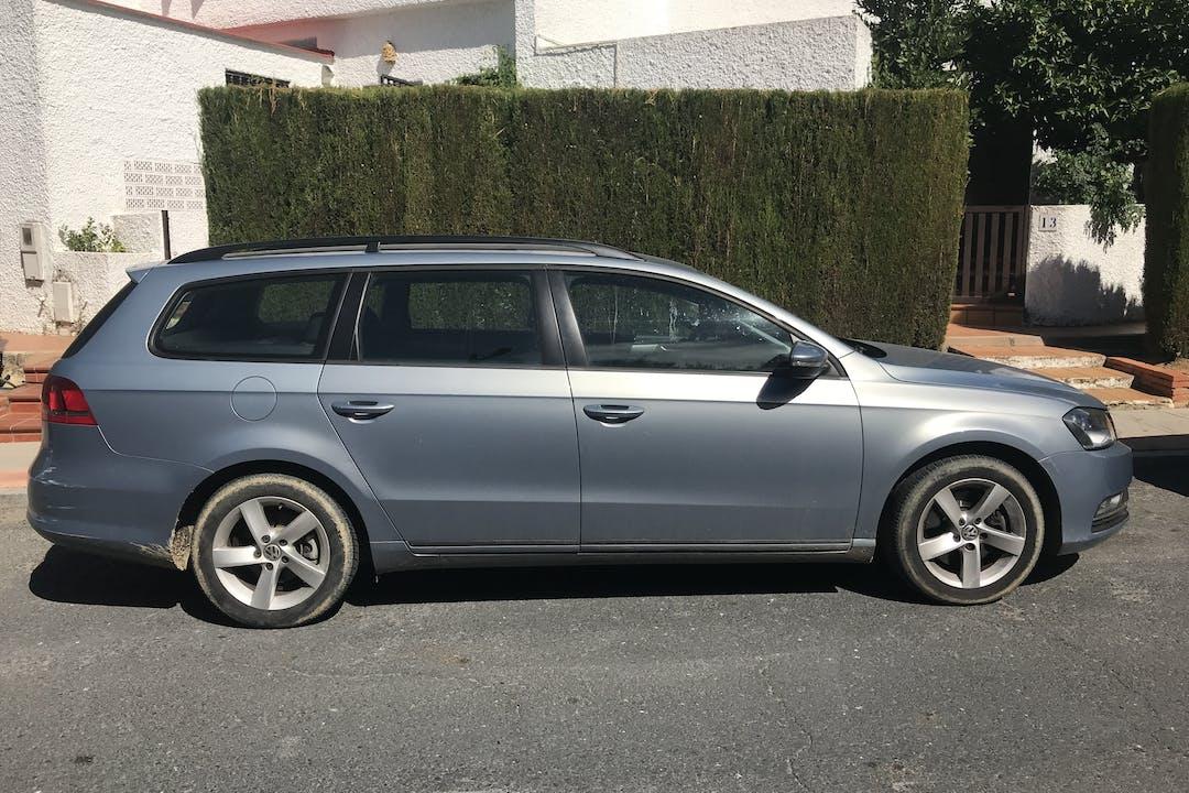 Alquiler barato de Volkswagen Passat Cc cerca de 41001 Sevilla.