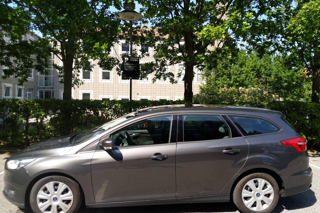 Billig billeje af Ford Focus nær 2300 København.