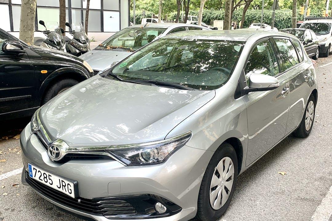 Alquiler barato de Toyota Auris cerca de 08019 Barcelona.