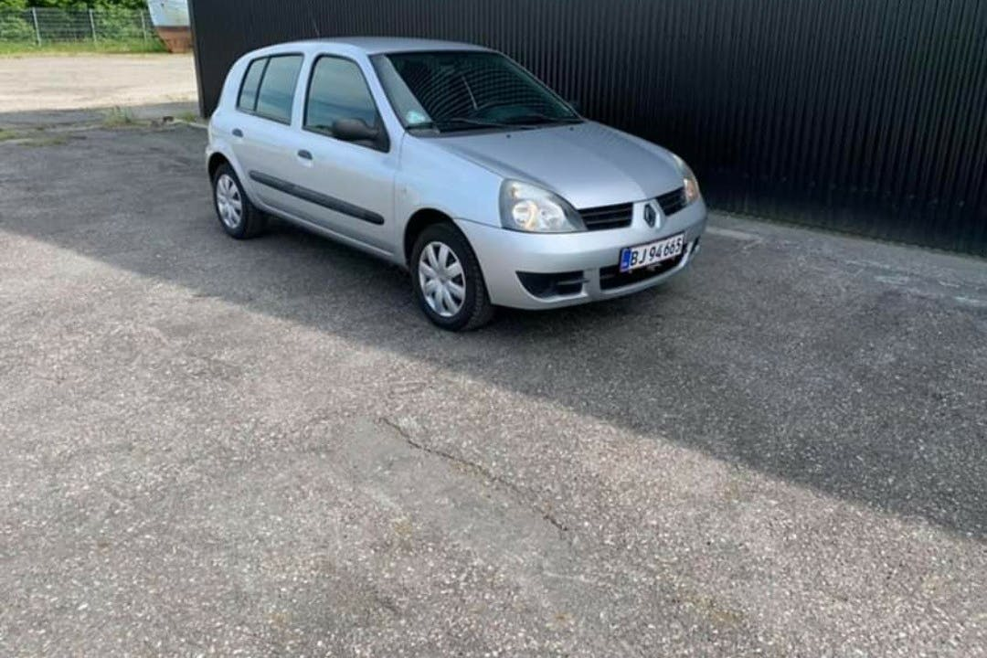 Billig billeje af Renault Clio HB nær 6000 Kolding.