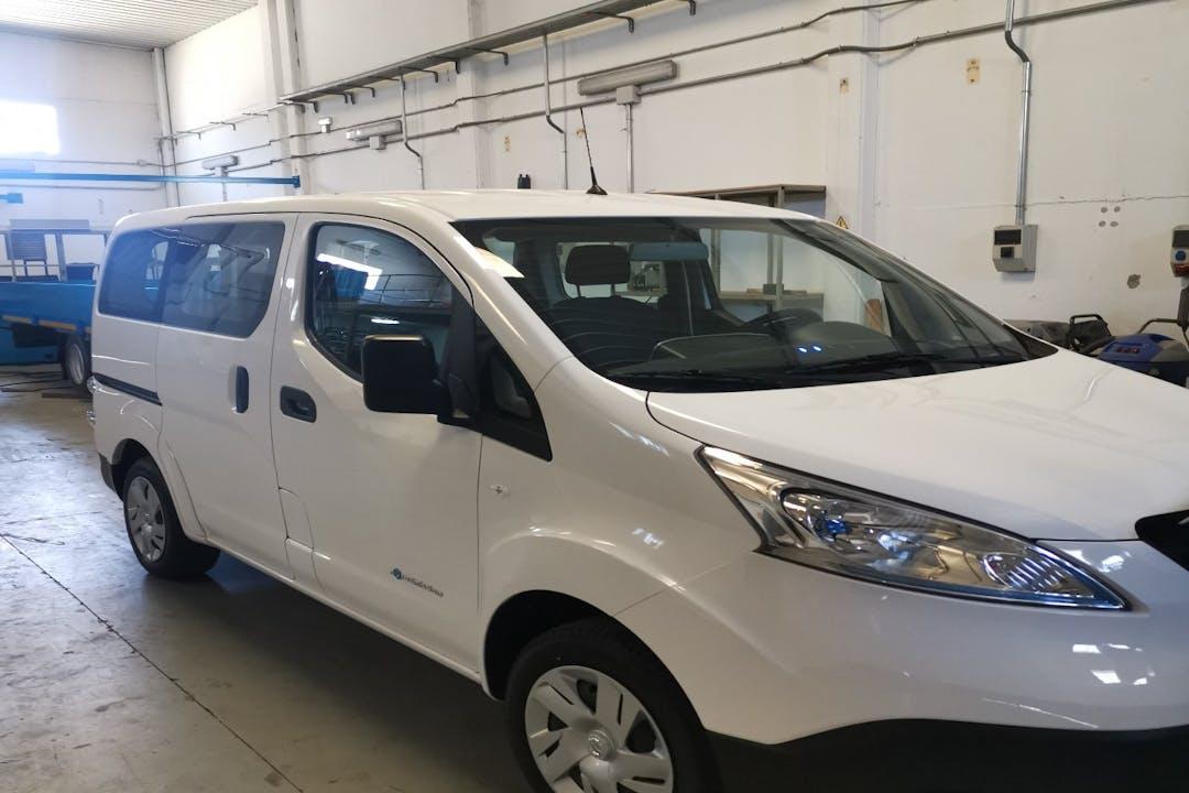 Alquiler barato de Nissan Nv 200 cerca de 28979 Serranillos del Valle.