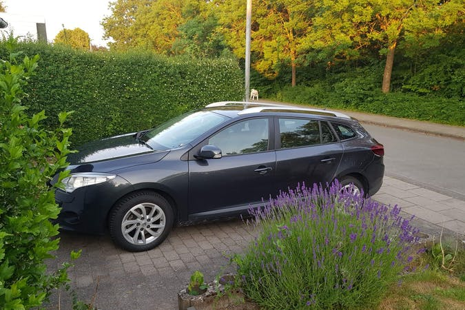 Billig billeje af Renault Megane nær 5270 Odense.