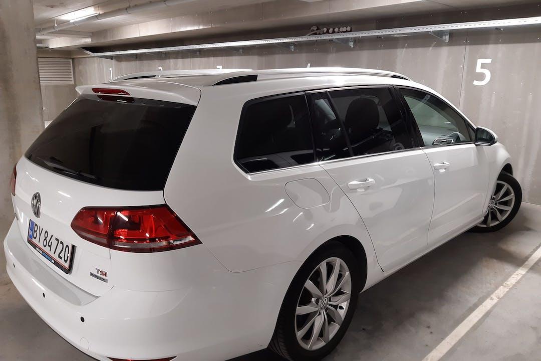 Billig billeje af Volkswagen Golf Stationcar nær 2300 Kastrup.