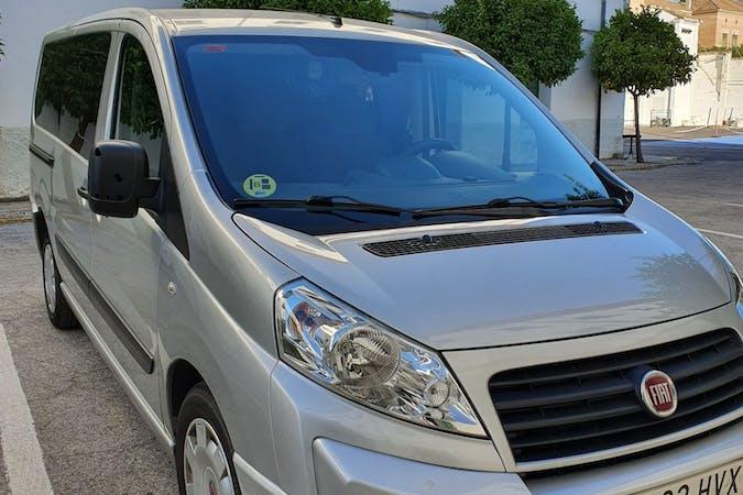 Alquiler barato de Fiat Scudo Fgn 2.0 128 Comfo H1L1 10 con equipamiento Bluetooth cerca de 18013 Granada.