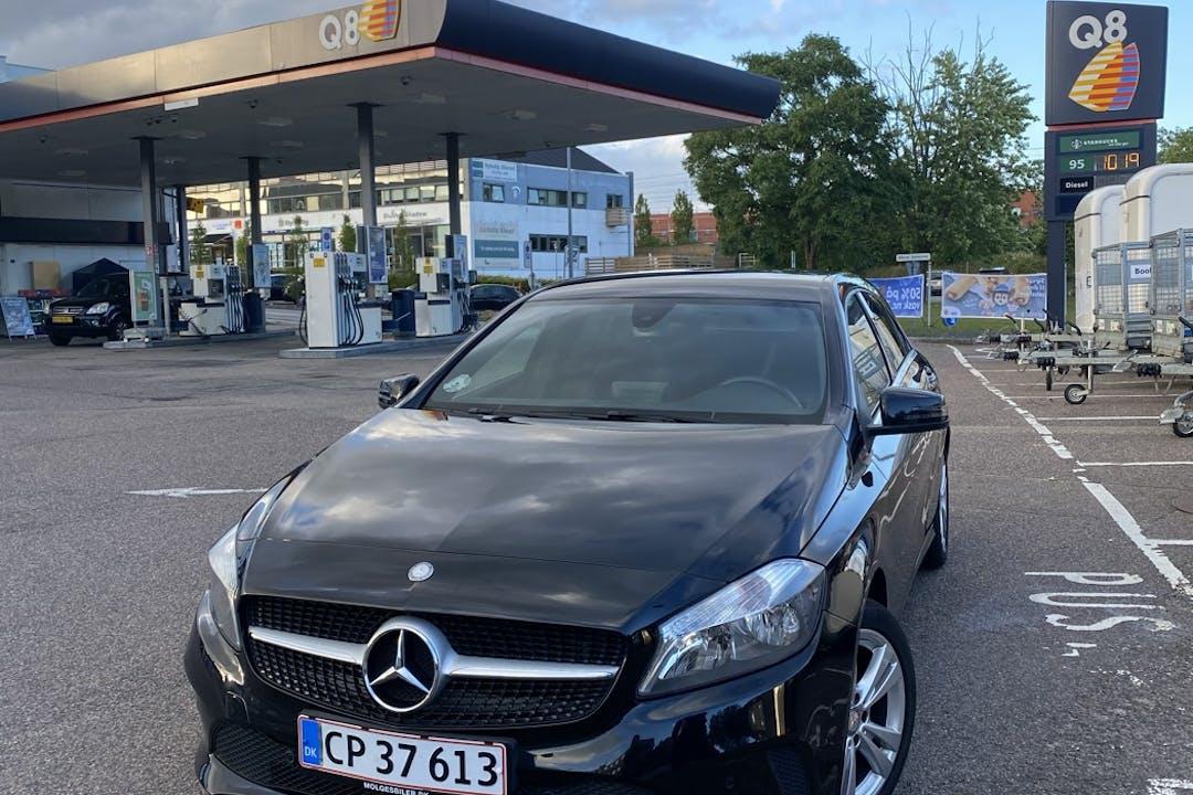 Billig billeje af Mercedes A-Class med GPS nær 2000 Frederiksberg.