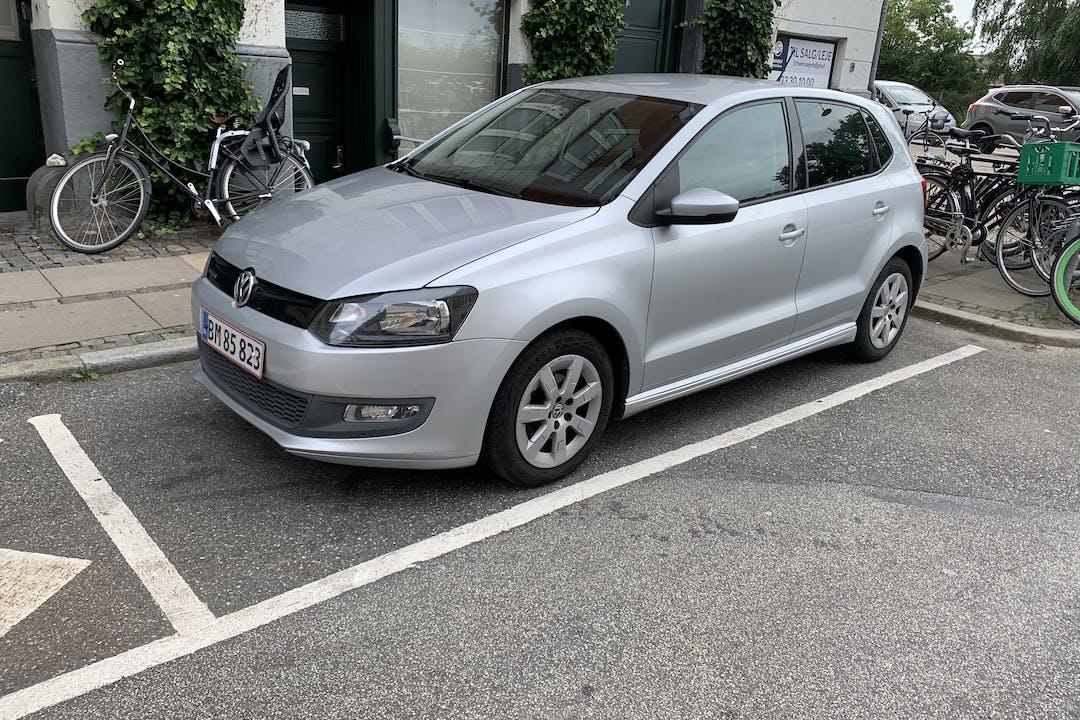 Billig billeje af Volkswagen Polo med GPS nær 2200 København.