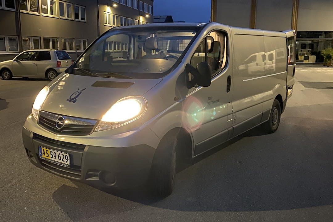 Billig billeje af Opel VIVARO nær 2300 København.